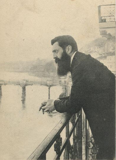 Theodor Herzl on the hotel balcony in Basel