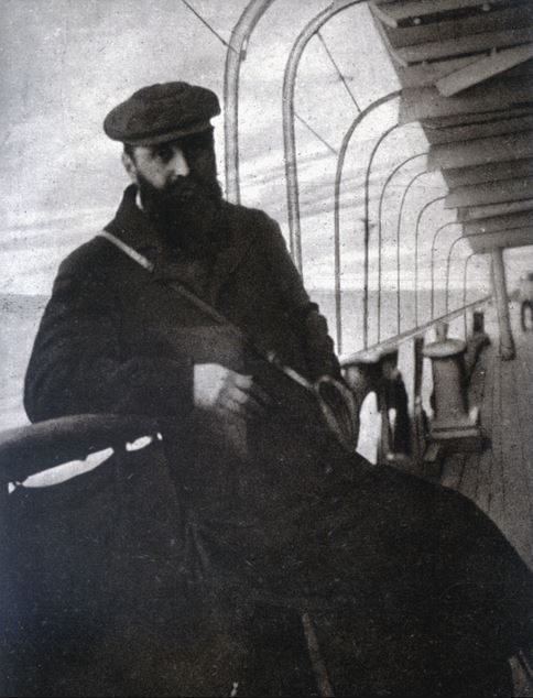 Herzl during his travel to Palestine